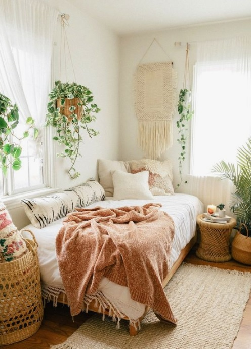 Macrame wall decor in Boho bedroom
