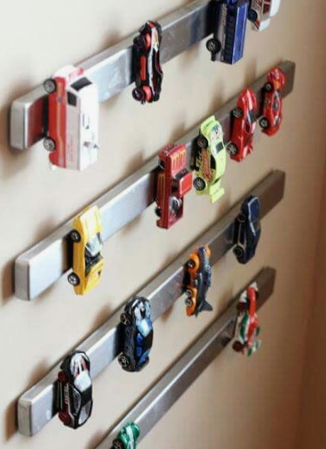Magnetic toy car storage idea for kids' room